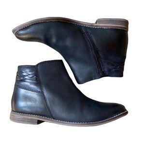 Oobash Maya Black Leather Bootie Zip Closure